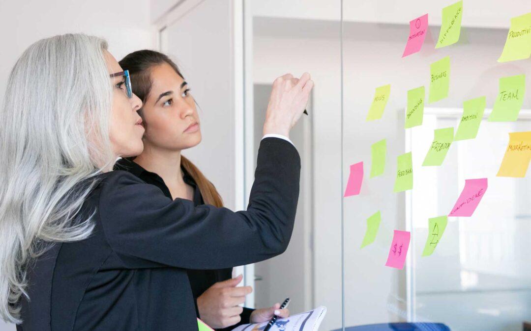 Diferencias entre OKR y BAU: Cómo diferenciar la estrategia del trabajo del día a día.